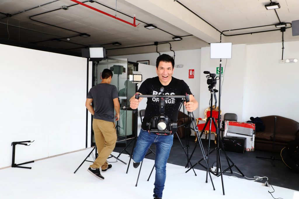 somos djez producciones un aproductora audiovisual profesional